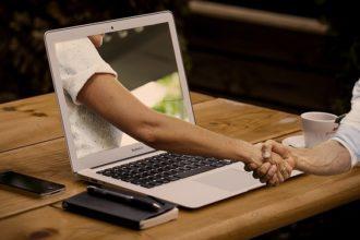 handshake-computer-screen